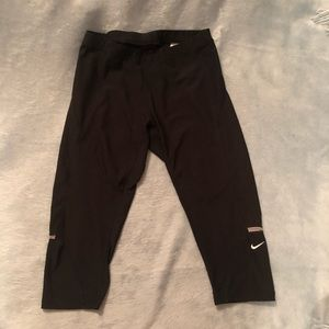 Nike Crop Workout Leggings